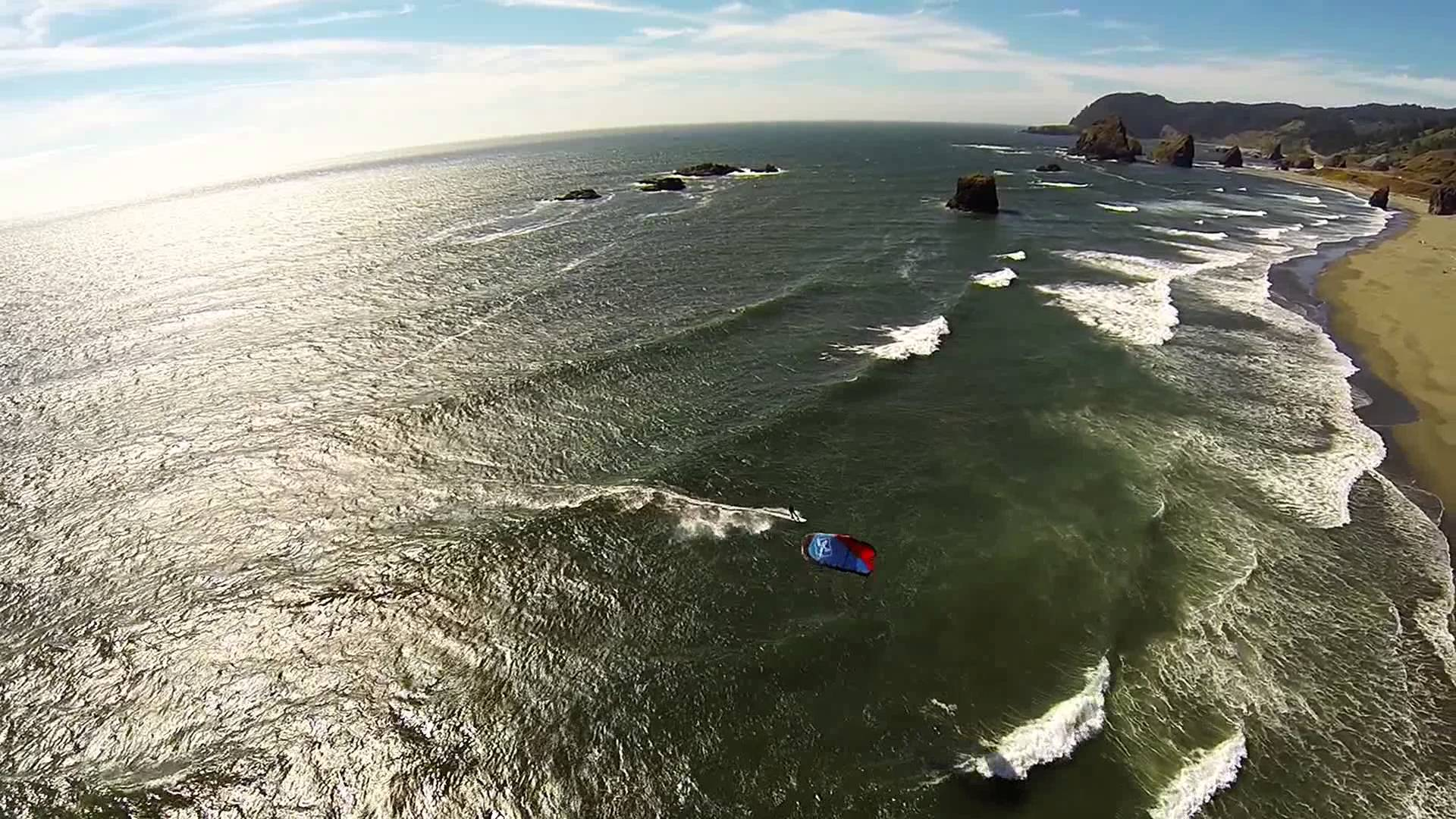 Video : Flying Drones and Kites in Oregon